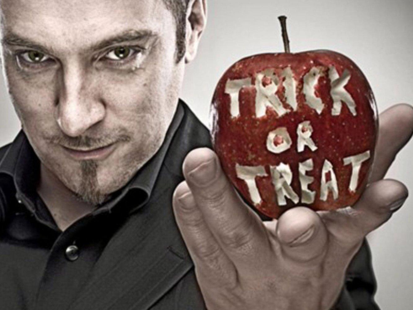 https://cdn.film-fish.comDerren Brown: Trick or Treat